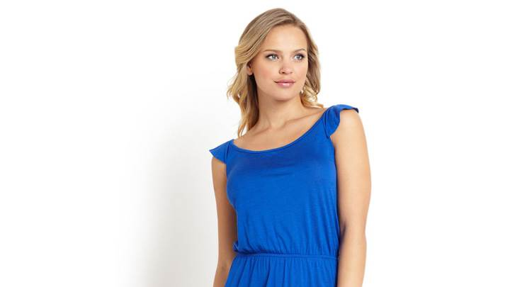 Elisandra Tomacheski Modeling Photoshoot In Blue Long Dress